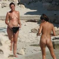 pretas nuas sexo em praia de nudismo