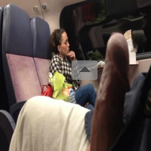 Olhando ela no onibus de viagem