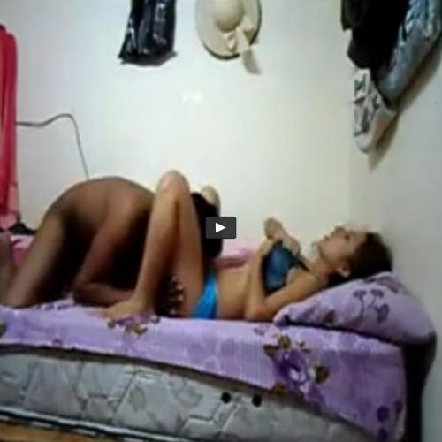 Fazendo sexo no quarto