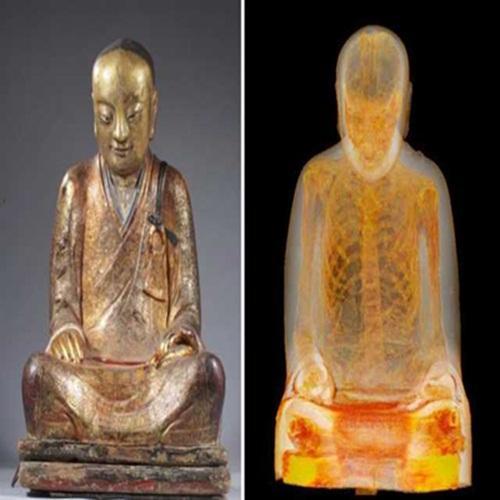 Tomografia computadorizada de estátua de 1000 anos revela detalhe...