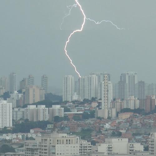 Extremos climáticos devem ocorrer com mais frequência e intensidade...
