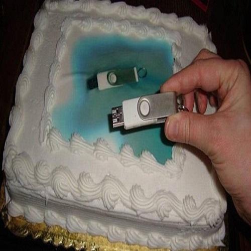 Doceira não entende pedido de cliente e enfeita bolo com foto de...